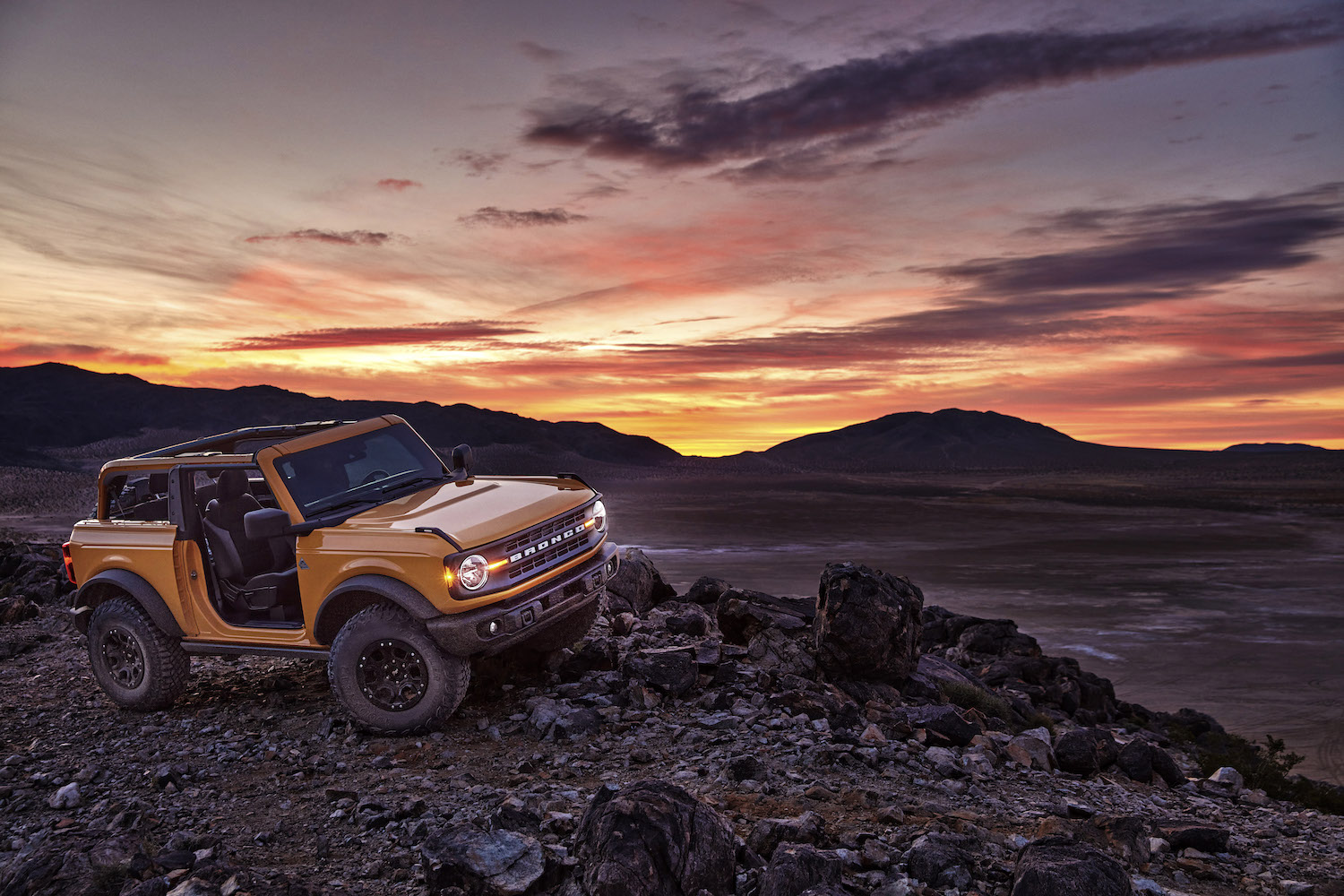 2021 Ford Bronco Tops 230,000 Reservations - Muscle Cars ...