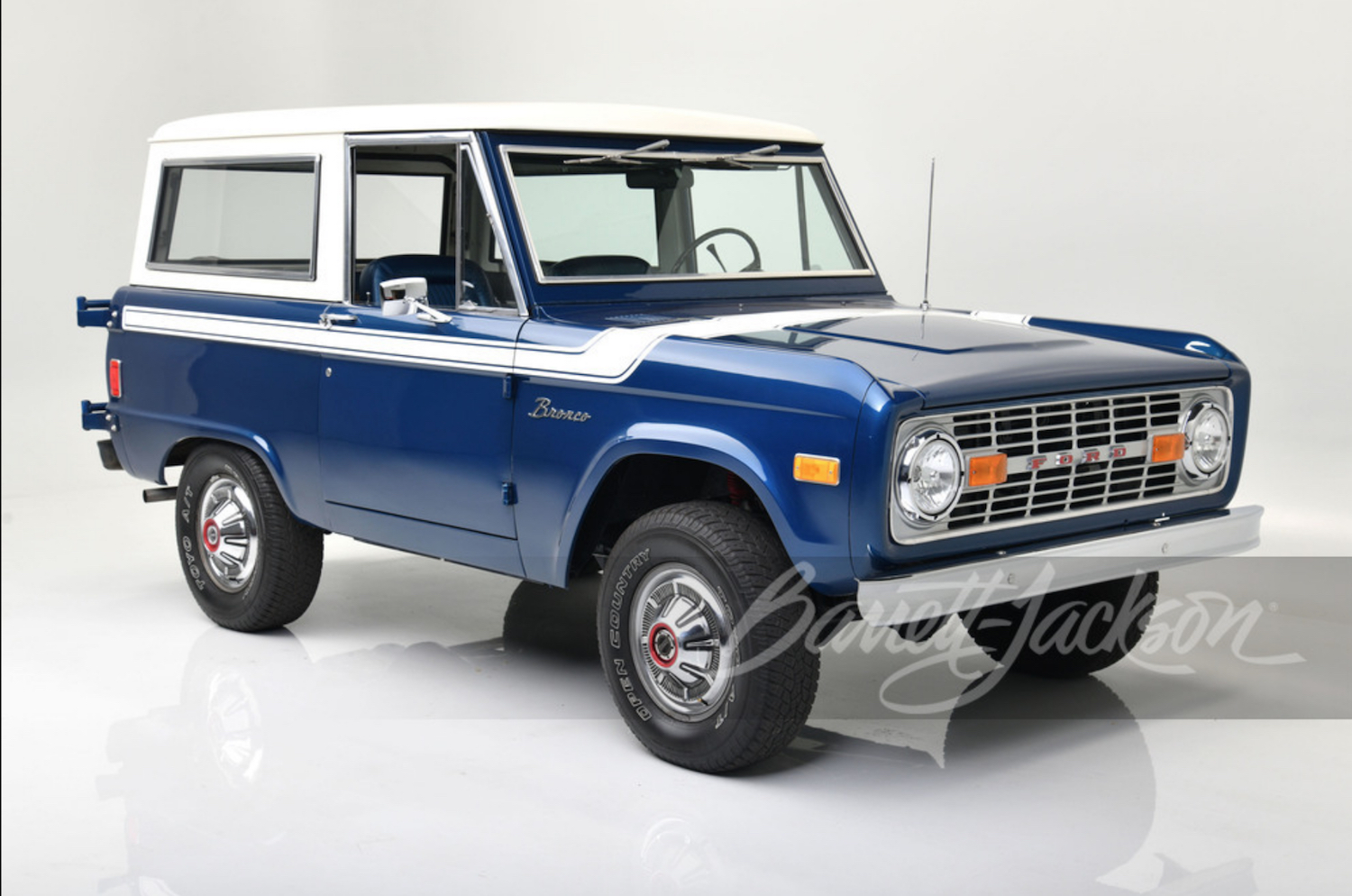 original first gen generation bronco ford barrett-jackson scottsdale