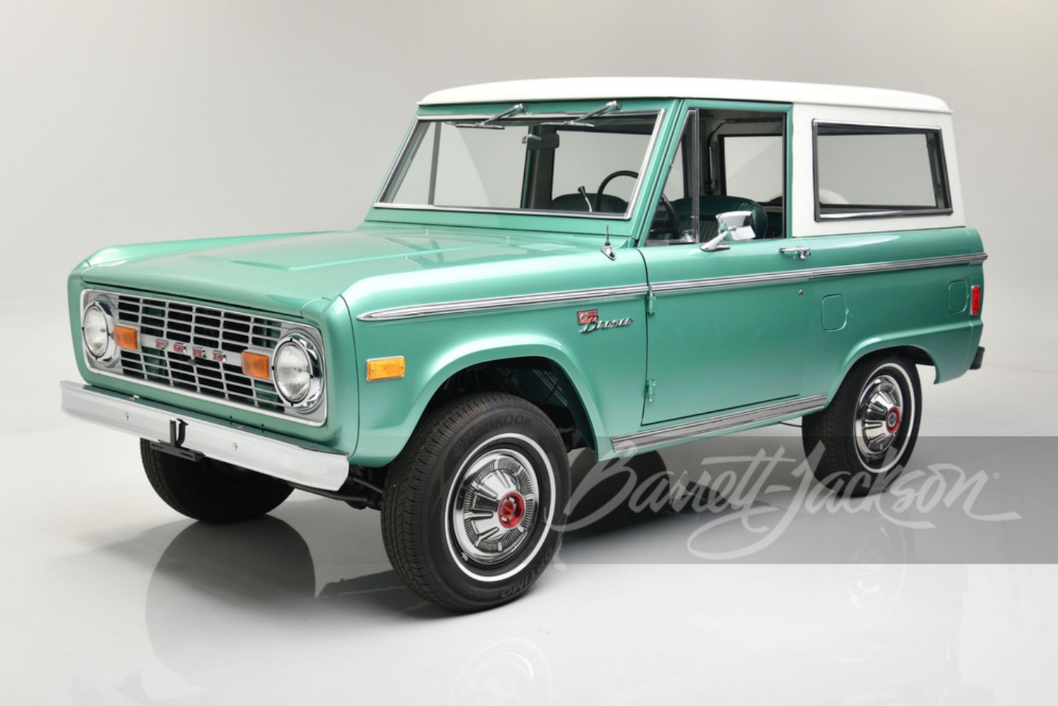 2021 Ford Bronco VIN 001 and three first-gen Ford Broncos are headed the Barrett Jackson Scottsdale.
