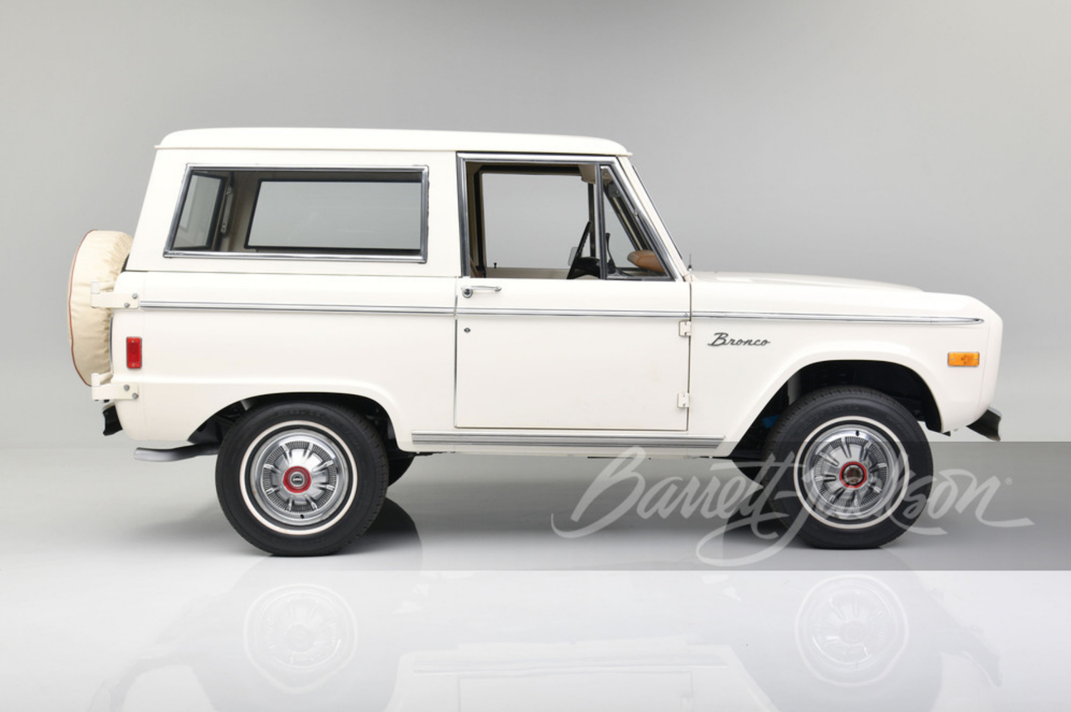first-gen Ford Bronco Barrett Jackson Scottsdale.
